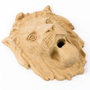 Резной лев Л001 (дуб)